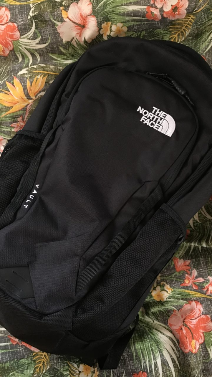 ノースフェイスのリュックを紹介【通勤通学にもおすすめなバッグ】