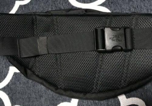 【ノースフェイスSWEEP】コンパクトで収納便利なボディバッグの紹介