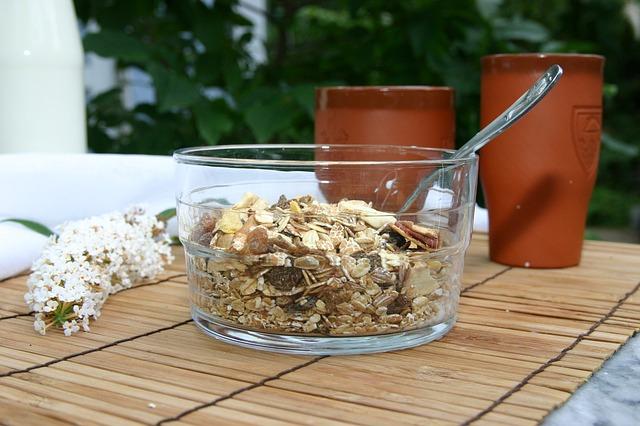 【最強のシリアル食品】ミューズリーを朝食やおやつに美味しく食べよう